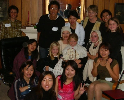 International students and ISMC volunteers celebrating Thanksgiving together.