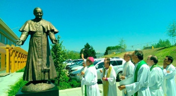 A statue of Pope John Paul II was unveiled on Tuesday outside the headquarters of Roman Catholic Archdiocese of Vancouver. Photo from their Facebook page.