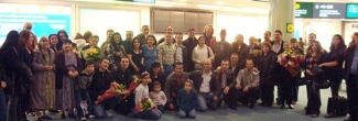 More than 40 parishioners from Our Lady of Good Counsel Catholic Church greeted an Iraqi family of five at Vancouver Airport. (Archdiocese of Vancouver, Refugee Sponsorship Program)