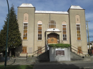 First United Mennonite Church was founded by German-speaking Mennonites, but now holds services in English and Spanish.