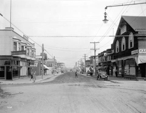 View of the 3500 block Commercial Street looking north from 20th Avenue. Photo by Major J.S. Matthews, probably in 1913. City of Vancouver Archives: AM54-S4-: LGN 504.