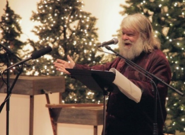 Poet/priest Malcolm Guite read several of his poems on Advent, the Christmas season and the process of letting go at the end of life at Cedar Park Church. Daniel Funk photo.