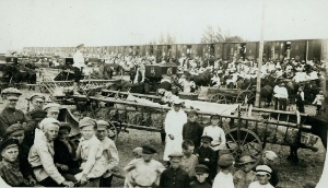 The crowd at the departure of the third immigration train, 1923, Chortitza. Image courtesy of the Mennonite Library and Archives, Bethel College, North Newton, Kansas: 2003-0278.