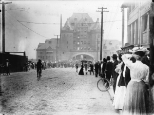 A line-up at the foot of Granville Street in 1909 to purchase lots in the Shaughnessy neighbourhood from the CPR. Photo by Philip T. Timms. Vancouver Archives: AM336-S3-3-: CVA 677-526